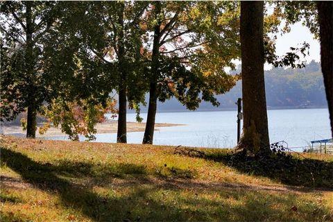 7110 Cedar Knoll Dr, Gainesville, GA 30506
