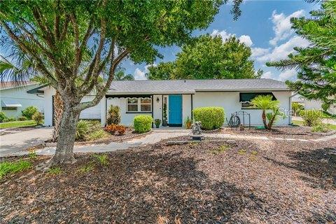 1805 El Rancho Dr, Sun City Center, FL 33573