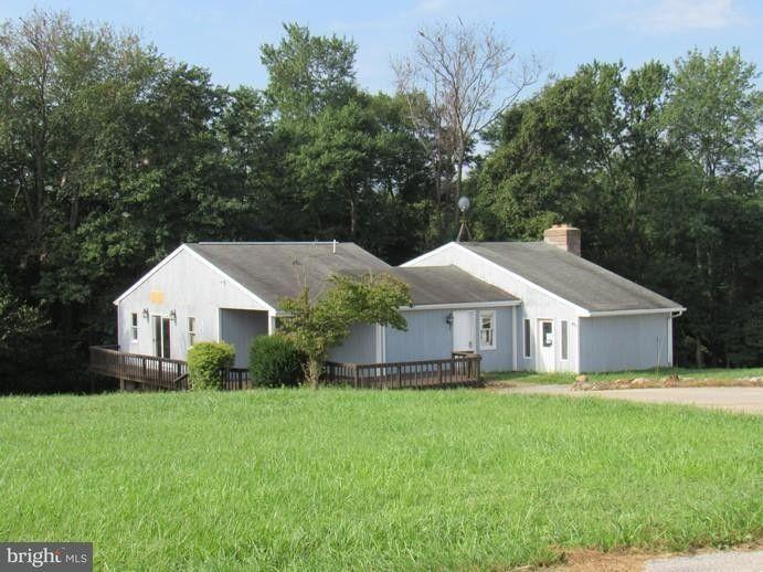 6788 Yellow Church Rd, Seven Valleys, PA 17360