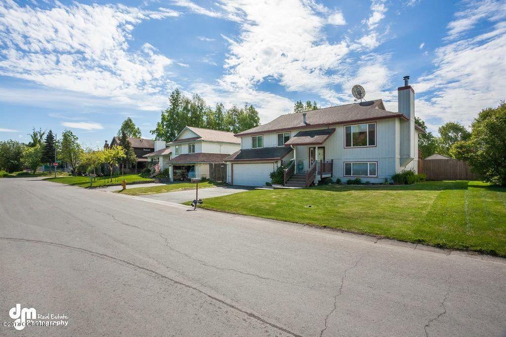2420 W 70th Cir, Anchorage, AK 99502