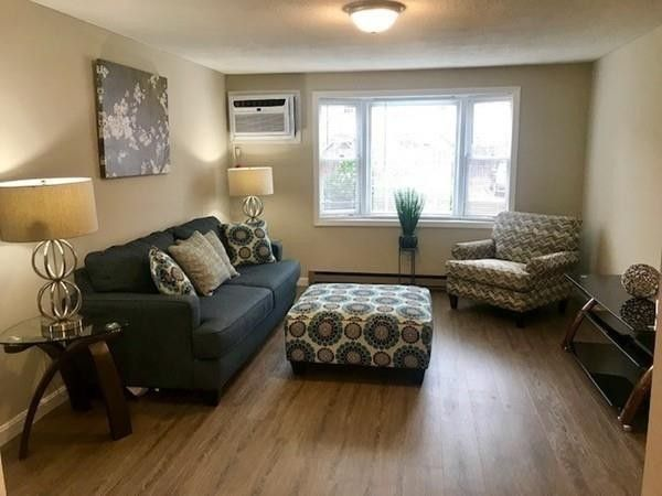 1821 Middlesex St Apt 1, Lowell, MA 01851