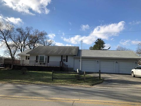 10640 E 825 N, Walkerton, IN 46574