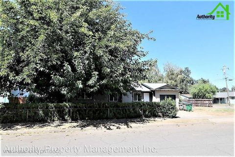 Photo of 3237 Begonia St, Anderson, CA 96007