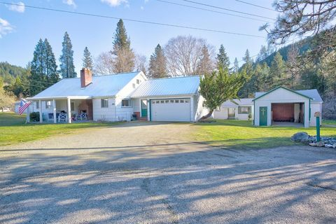 Photo of 3070 Ranchero Rd, Glendale, OR 97442