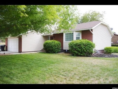 438 Country Clb Stansbury Park UT 84074
