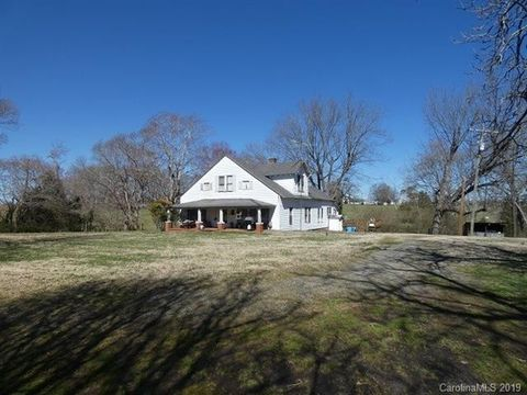 Photo of 10912 Mooresville Rd, Mount Ulla, NC 28125