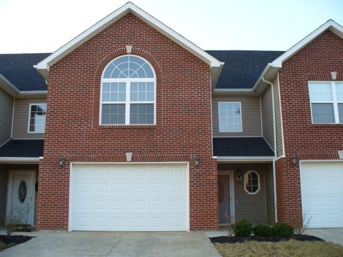 152 Twin Lakes Dr, Vine Grove, KY 40175
