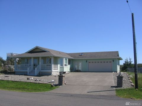 1060 Greenview Ave Sw, Ocean Shores, WA 98569