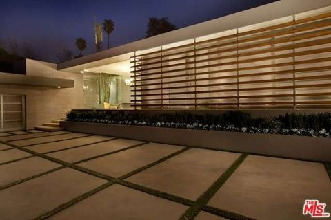 1166 Angelo Dr, Beverly Hills, CA 90210