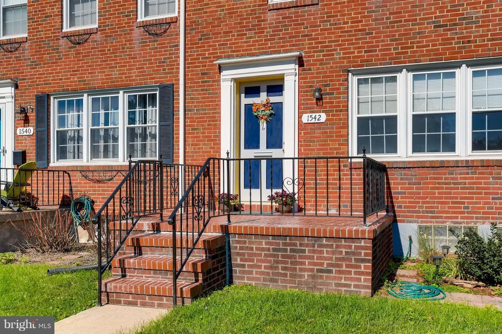 1542 Putty Hill Rd, Towson, MD 21286