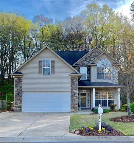 Photo of 2824 Huckleberry Hill Dr, Fort Mill, SC 29715