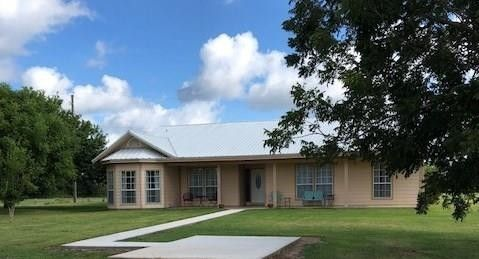 Photo of 10025 County Road 160 County Road 160, Boling, TX 77420