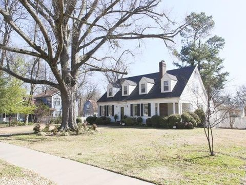 Photo of 402 Conway Blvd, Conway, AR 72034