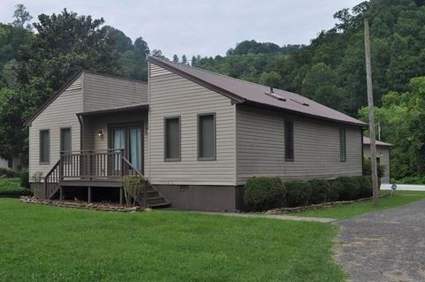 188 Adams Ln, Pikeville, KY 41501