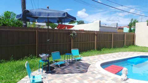 Photo of 832 Green St Unit 12, West Palm Beach, FL 33405