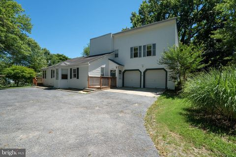 4905 Sudley Rd, West River, MD 20778