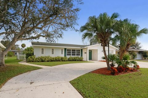 4259 Honeysuckle Ave, Palm Beach Gardens, FL 33410