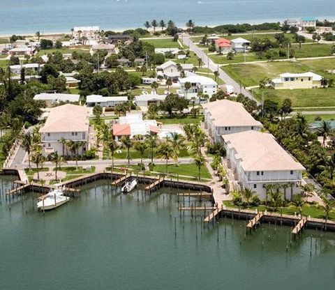 1568 Island Cove Rd, Fort Pierce, FL 34949
