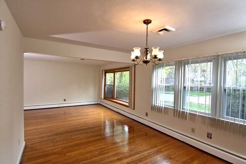 Photo of 27 Beechwood Ter, Poughkeepsie, NY 12601