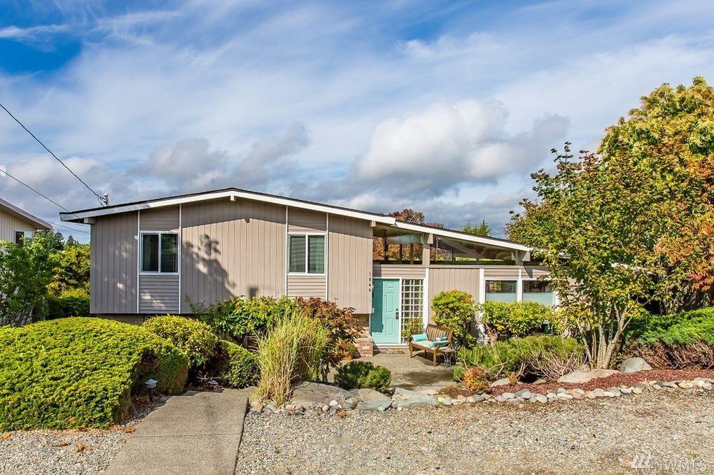 1864 N Skyline Dr, Tacoma, WA 98406