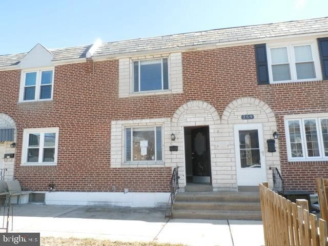 261 Westbrook Dr Clifton Heights, PA 19018