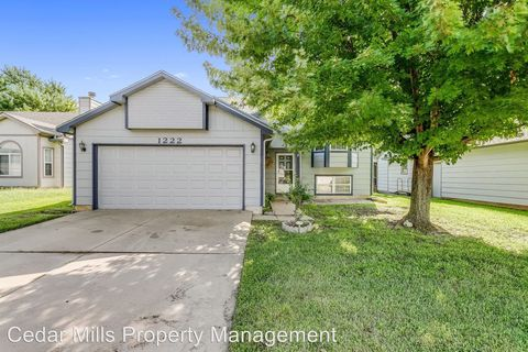 Photo of 1222 S Goebel St, Wichita, KS 67207