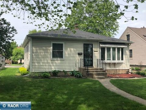 Photo of 715 S 10th St, Virginia, MN 55792