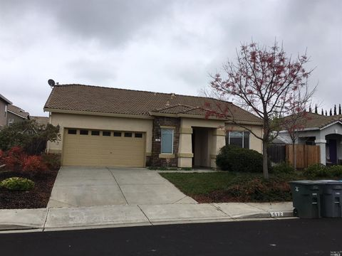 512 Feather River Way, Vacaville, CA 95688