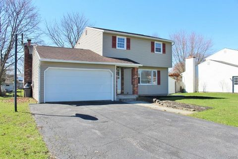 5364 Vineyard Dr, Clay, NY 13041