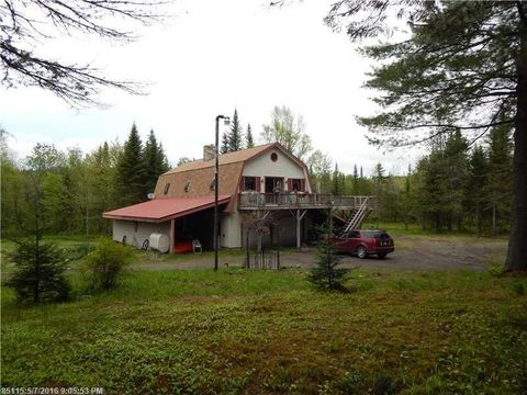 70 Back Rd, Abbot, ME 04406