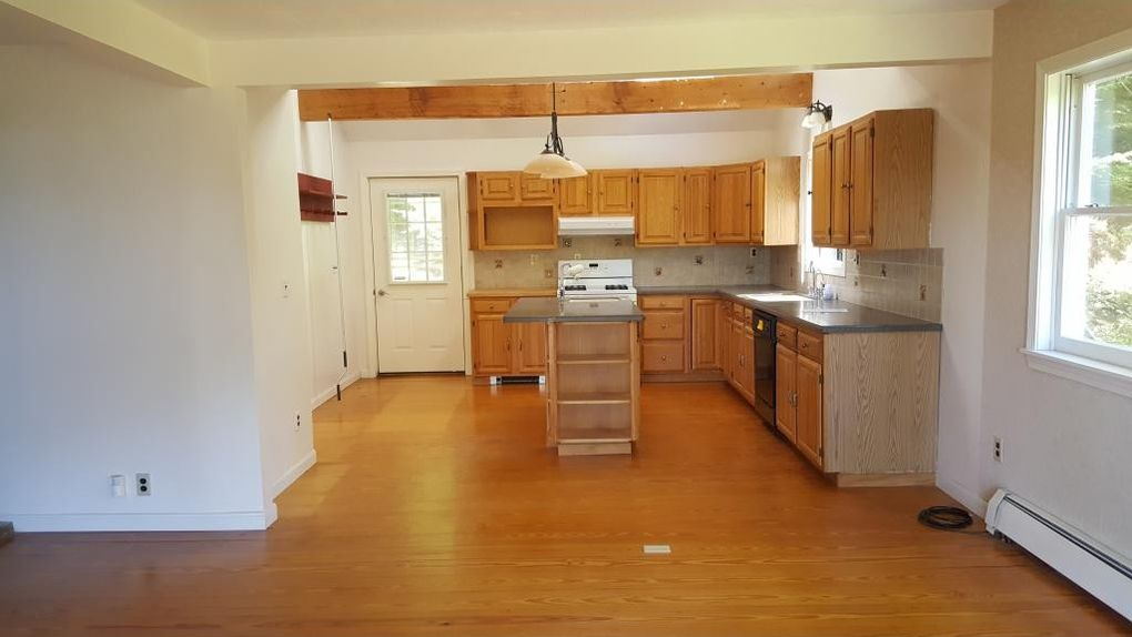 284 E Green Mountain Rd, Claremont, NH 03743