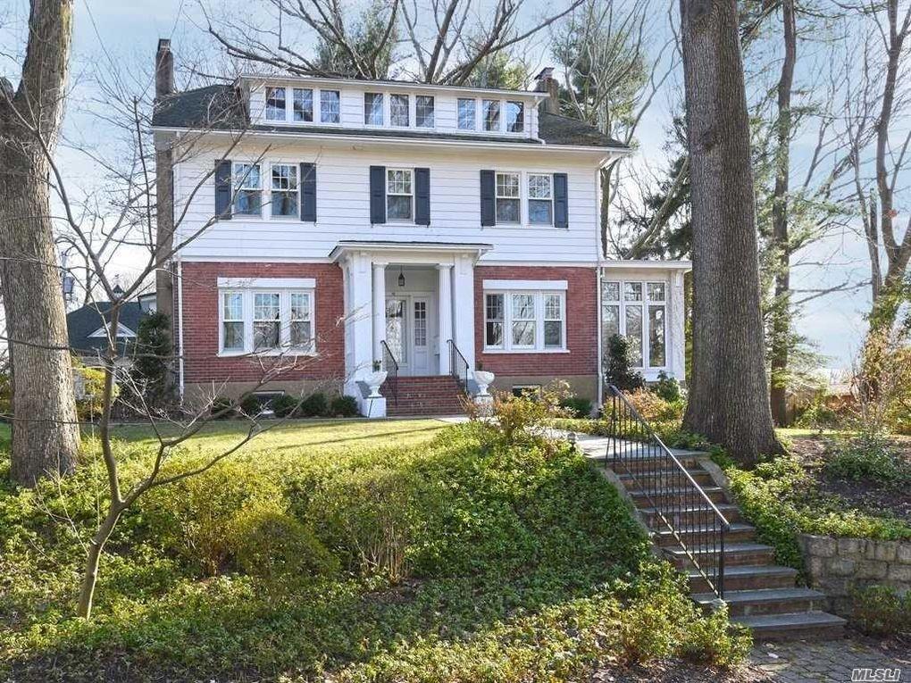 14 Hillside Ave, Port Washington, NY 11050 - realtor.com®