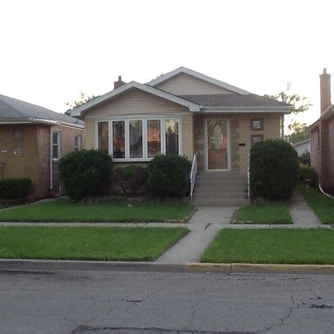 114 Hyde Park Ave, Bellwood, IL 60104