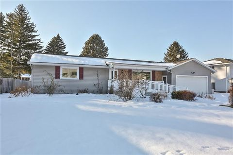 Photo of 55 Astronaut Dr, Rochester, NY 14609