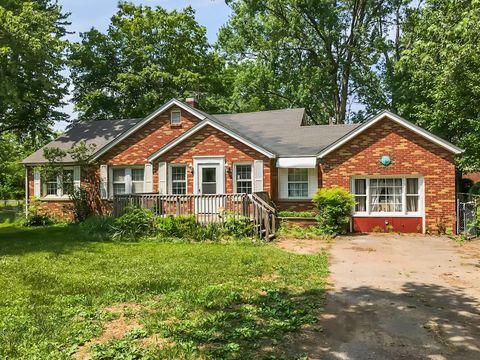 Photo of 2219 E Main St, Murfreesboro, TN 37130