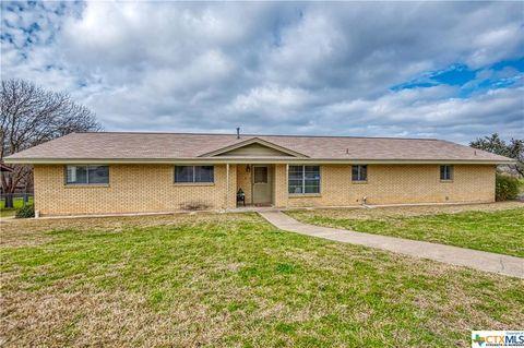 Photo of 1001 Barbara Ann St, Kerrville, TX 78028