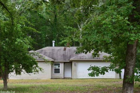 31749 S State Highway 11, Star City, AR 71667