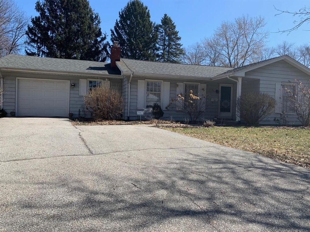 711 Timber Ct, Chesterton, IN 46304