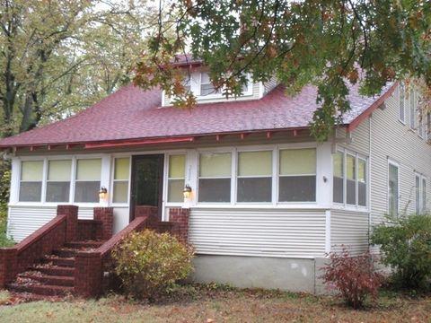 202 S Pennsylvania St, Howard, KS 67349
