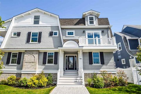 2 S Andover Ave, Margate, NJ 08402
