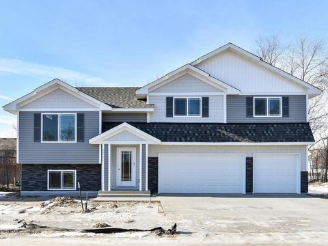 Photo of 30576 Revere Ave, Shafer, MN 55074