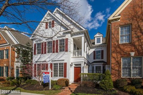 306 Lisa Oaks Way, Rockville, MD 20850