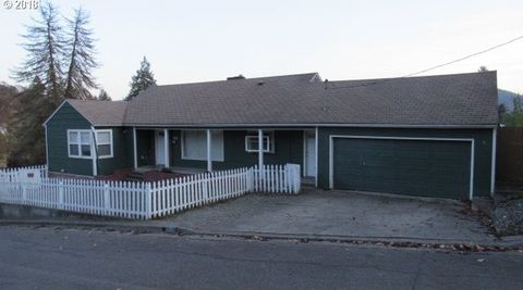 Photo of 1135 Ne Beulah Dr, Roseburg, OR 97470