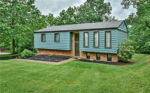 112 Loire Valley Dr, Shaler Township, PA 15209
