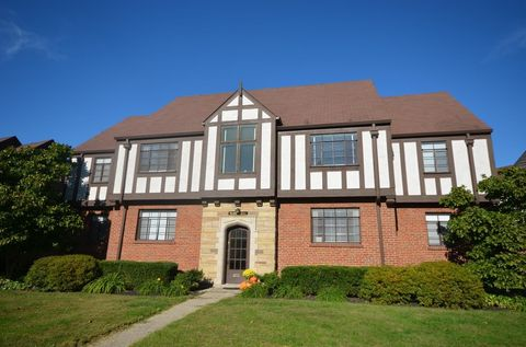 Photo of 3722 W Center St Apt 3, Mariemont, OH 45227