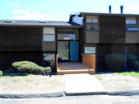 113 Country Squire Dr Unit F, Cromwell, CT 06416