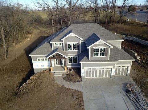 Photo of 1303 Timber Ridge Dr, Liberty, MO 64068