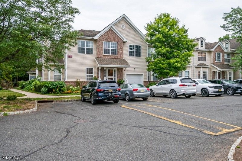 103 Forest Dr Piscataway Twp, NJ 08854