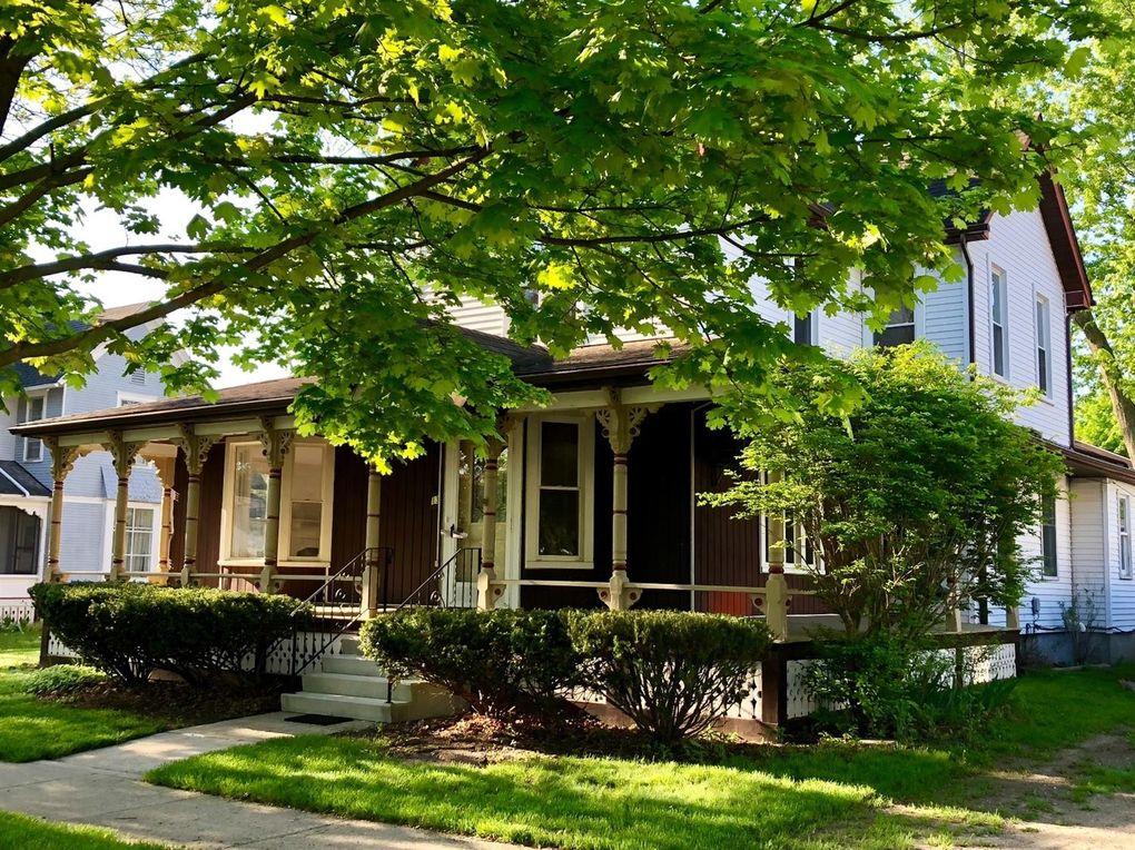 138 Orchard St Chelsea, MI 48118