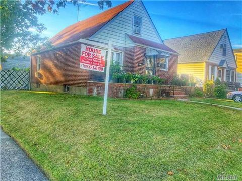 79 58 264th St Floral Park NY 11004